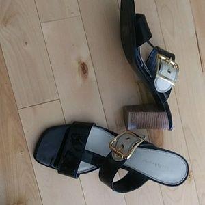 "Liz Claiborne size 8 black and bone 3"" heel"